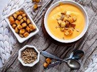 Крем супа от сладки картофи, моркови, тиква, целина и прясно мляко